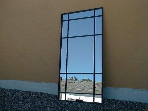 stort spejl .Antikvitet.  Stort Spejl i metal ramme stort spejl