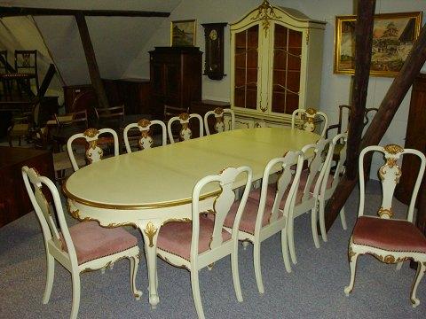 www.Antikvitet.net - Hvid spisestue med guld.  Bord med 3 ...
