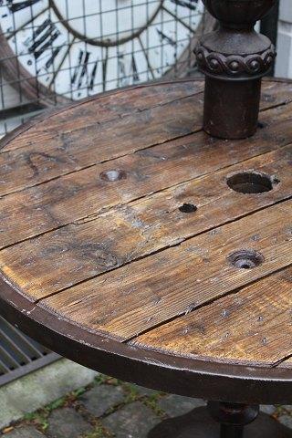 www.Antikvitet.net - Gammelt Fransk industrielt rundt spisebord  i ...
