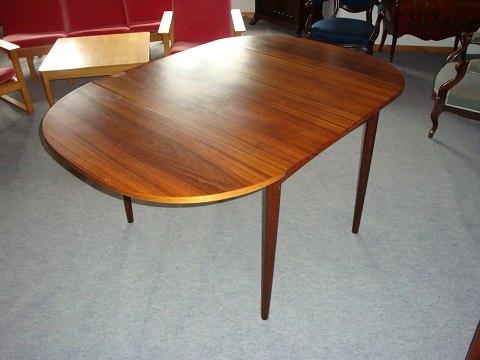www.Antikvitet.net - Spisebord i palisander med klapper tegnet af ...