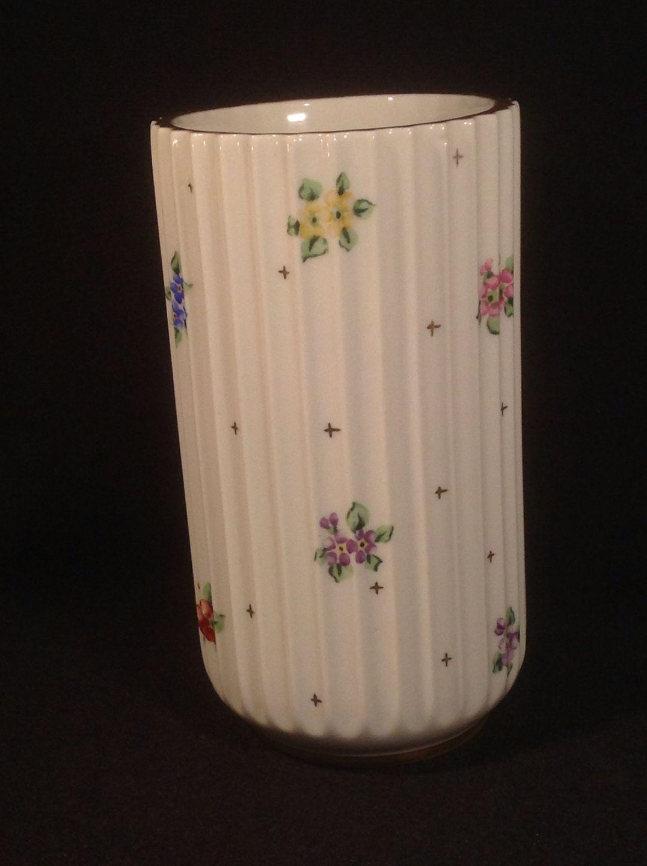 lyngby vase med blomster