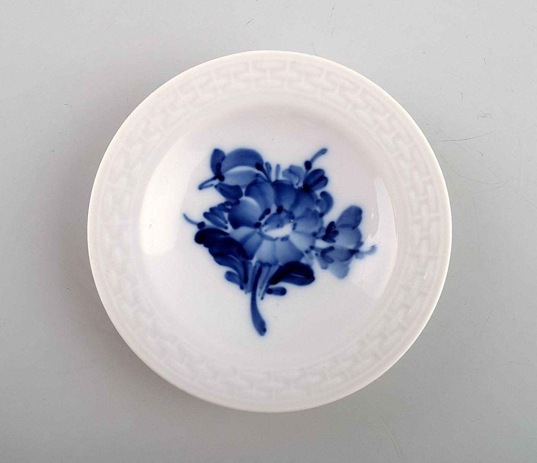 9e9fb4a6272c Kgl. Blå blomst flettet Kongelig porcelæn. Royal Copenhagen Blå blomst  flettet