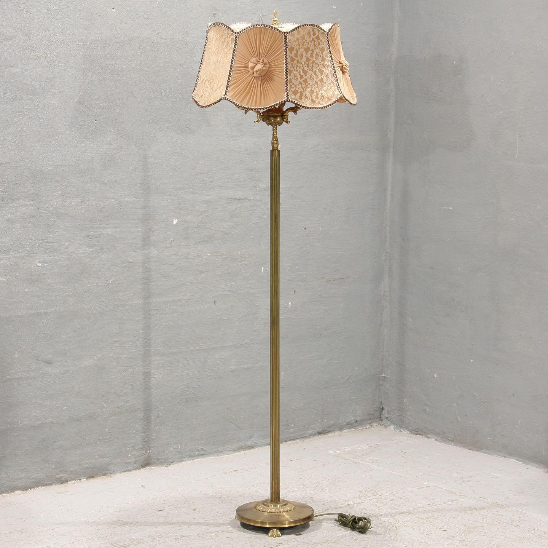www Antikvitet net Standerlampe i messing  Kr 950,