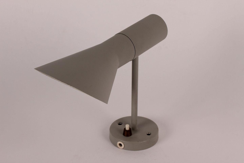www Antikvitet net Arne Jacobsen  LILLE AJ v u00e6glampe