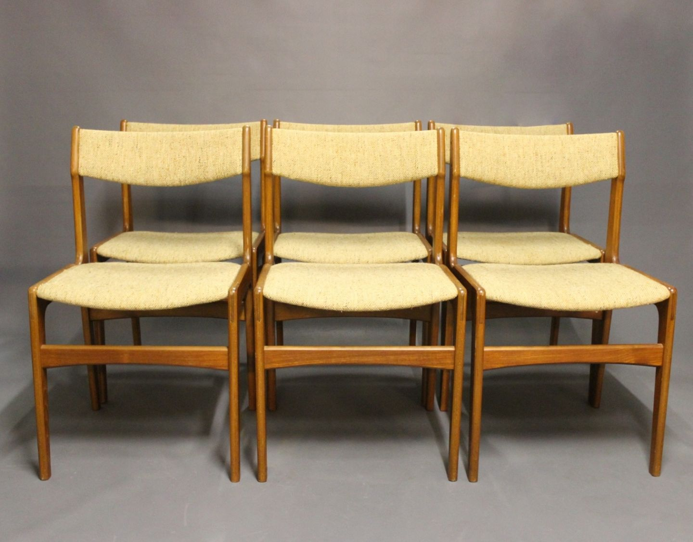 www.Antikvitet.net - Et sæt af 6 spisestuestole i teak og lyst uld ...