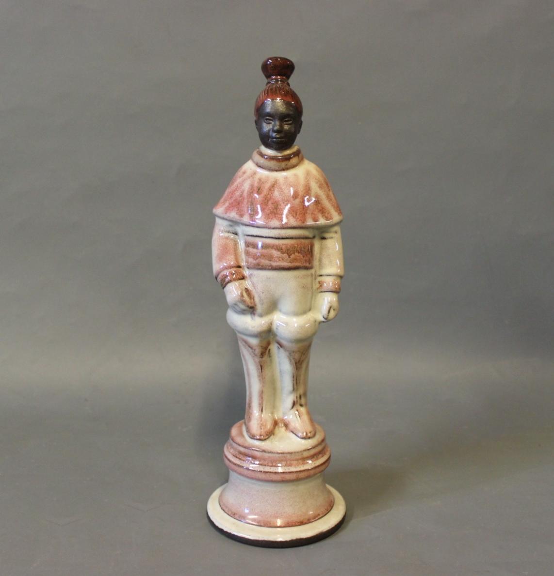 hyllested keramik .Antikvitet.  Keramisk figur af Herman A. Kähler for  hyllested keramik