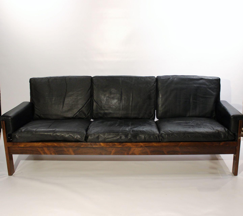 Picture of: Www Antikvitet Net Sofa I Palisander Og Sort Laeder Af Dansk Design Fra 1960erne 5000m2 Udstilling