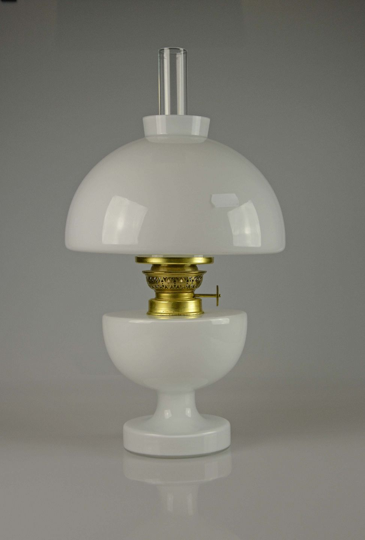 Sidste nye www.Antikvitet.net - Holmegaard * * Petroleum * lampe * Hvid opal glas MK-31