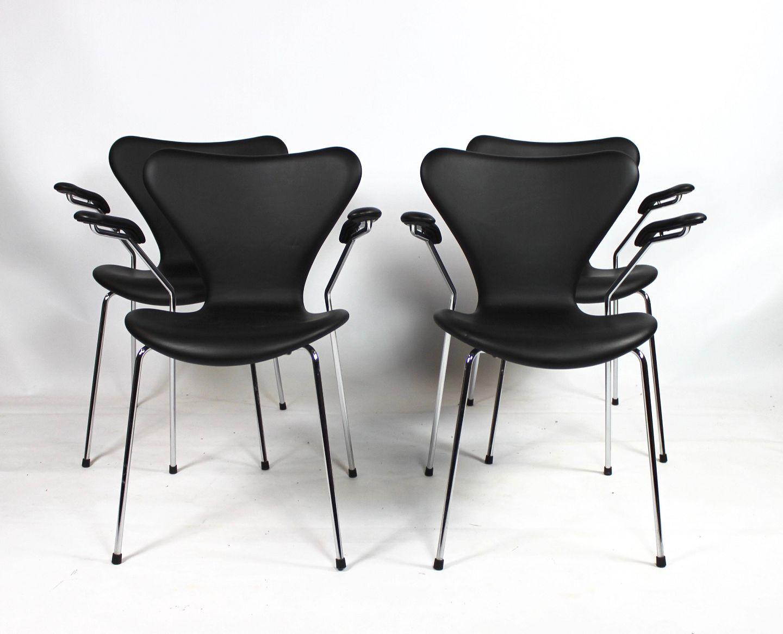 Et sæt af fire syver stole, model 3207