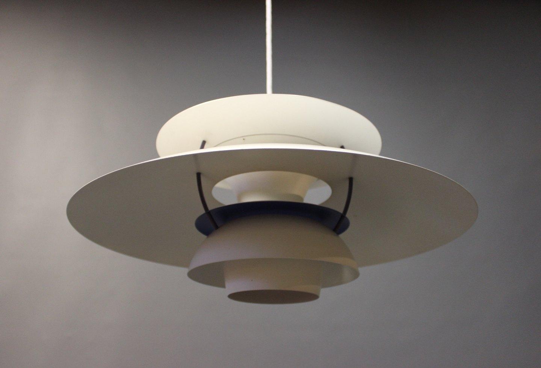 ph5 lampe designet af poul henningsen i 1958 og produceret af louis poulsen. Black Bedroom Furniture Sets. Home Design Ideas