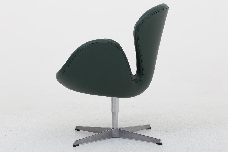 Arne Jacobsen Fritz Hansen AJ 3320 Nybetrukket