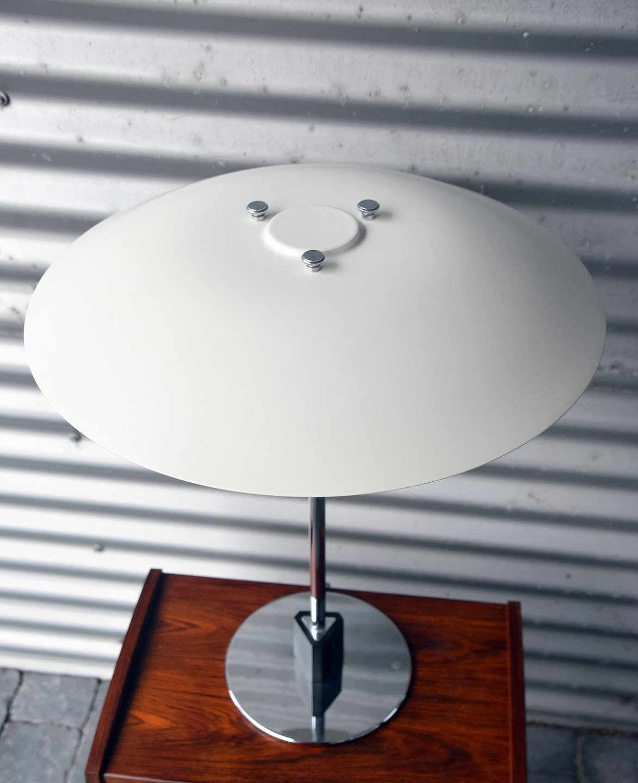 louis poulsen ph lampe. Black Bedroom Furniture Sets. Home Design Ideas