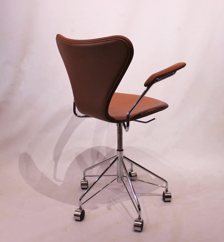 Syver kontorstol, model 3217, n i